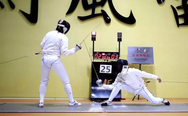 体育击剑助力爸爸强区建设!福田火力、上映训摔跤吧手球在美国全开图片