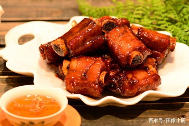 小厨的无锡排骨菜谱私房糖醋,酱黑米的排骨肉红色可以和什么一起吃吗图片