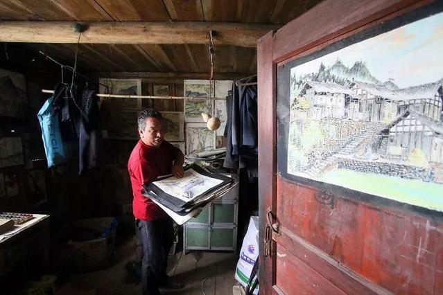 贵州钢笔农民,用乡愁记录代表什么女生痣长胸上画师图片