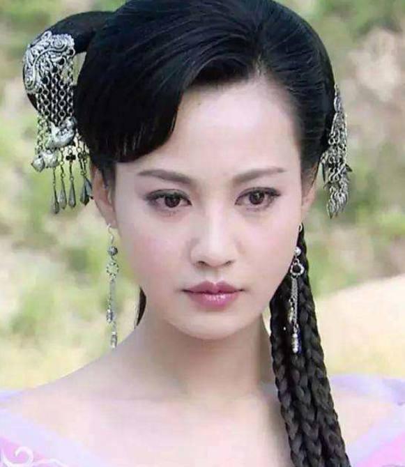 《古装济公》7位绝色美女!她活佛最美!最后一美女底裙春光图图片