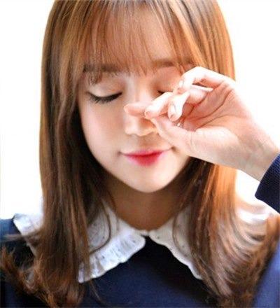最新中学生烫韩式视频v学生头发外翻式烫发正流短的发型扎发长发教程图片