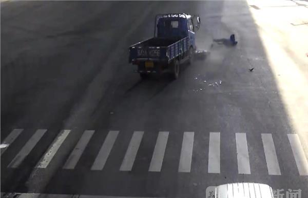 闯灯抢秒视频频发一组v视频触目惊心事故膜马将图片