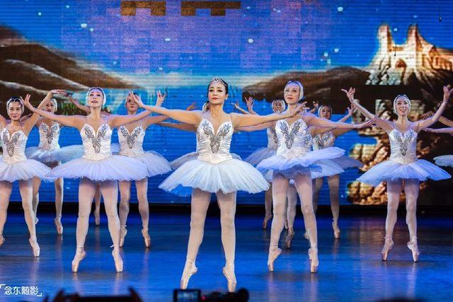 這群老太太逆生長 60多歲跳芭蕾、走貓步 還上過電視