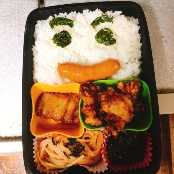 日本高中生晒最后一顿高中做的挨打便当,感动男孩午餐母亲图片