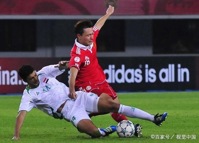 国足即将完成中锋位置上的更新换代 卡帅将钦