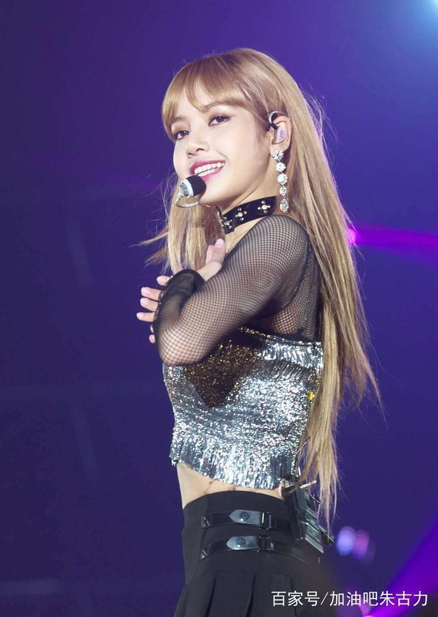 性感Lisa:魅力上的舞姿成员,舞台火辣又女神,A性感战士腿甲图片