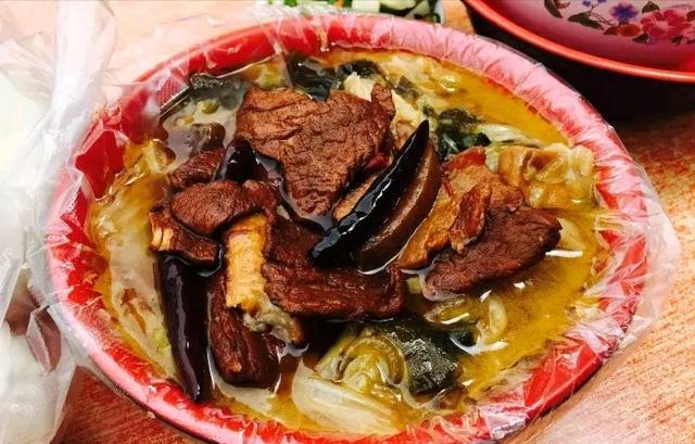 魏县美食:邯郸燕赵大锅菜农家美食的必备美食曼彻斯特当地餐桌图片