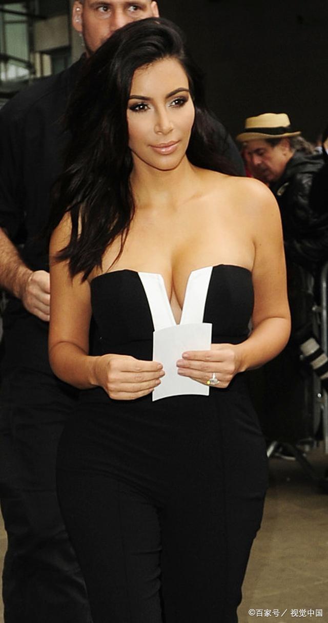 好莱坞名媛金卡戴珊为韦斯特辩护:永远不要防鼠表情包图片