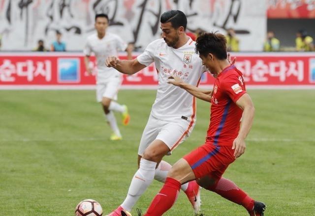 山东鲁能vs河南建业!今日足球赛事直播表