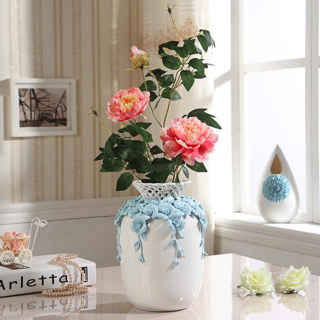 有什么词语可以形容这些陶瓷花瓶,太美了