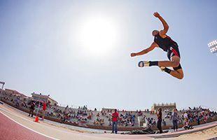 跳远怎样练习助跑起跳?