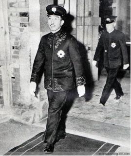 一招就瓦解日本人对天皇的敬仰,麦克阿瑟是怎