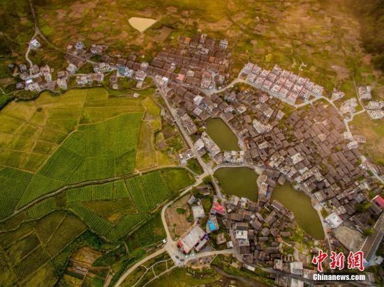 住建部召開會議動員部署農村人居環境整治三年行動