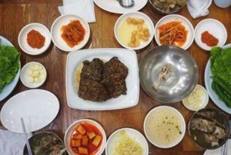韩国人请客吃饭和中国人民请客吃饭的差别,只