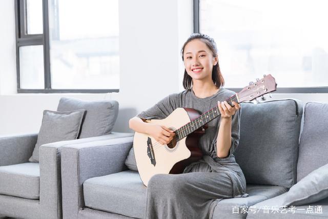 零基础学习尤克里里弹唱,掌握三个技巧就够了