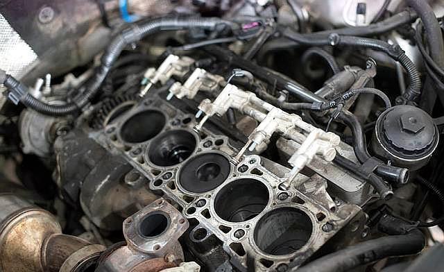 拉高转速可以清理积碳吗?操作不当影响发动机