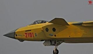 歼20战机在未来换装具有矢量推力的涡扇15发