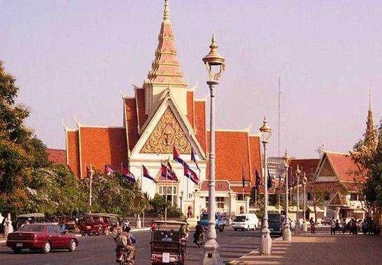 5千人民币兑换290万柬埔寨瑞尔,能做多少事?