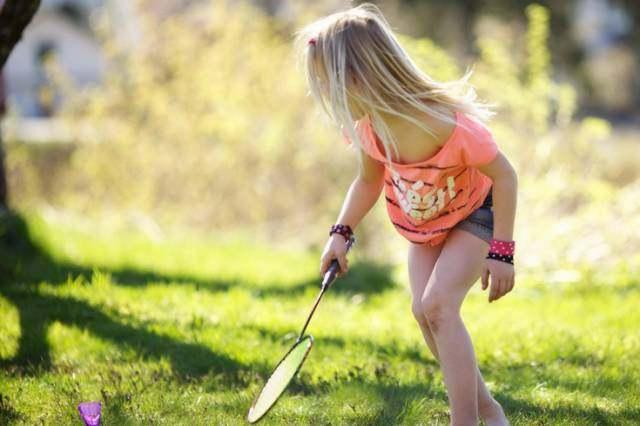 某小学生作文《我爸爸爱打羽毛球》,惊呆了老