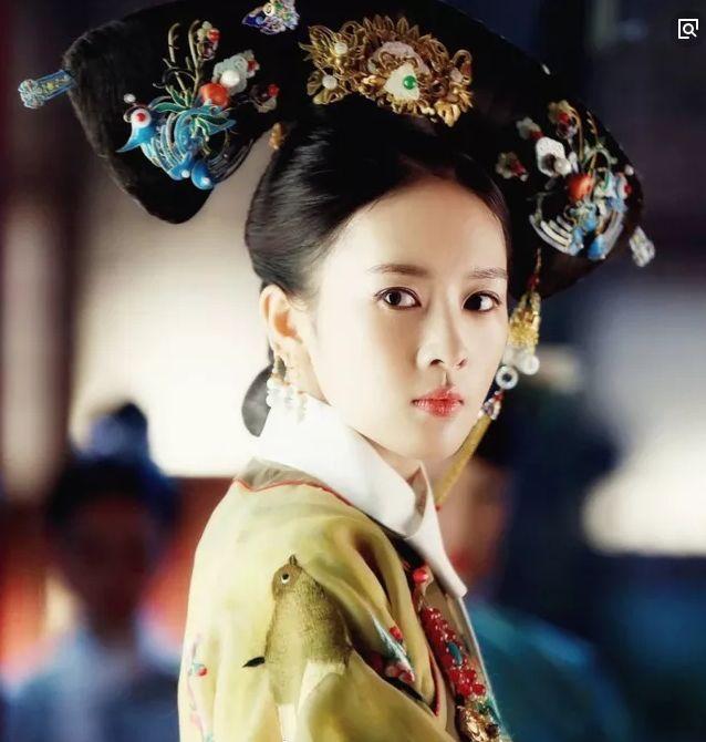"""童谣演的""""高贵妃""""和辛芷蕾演""""嘉贵人"""",网友:演员和明星差距"""