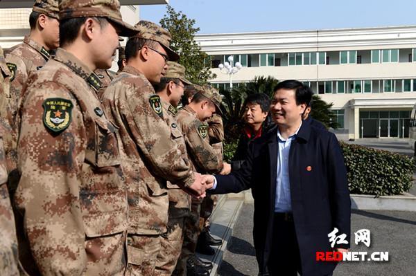 常德經開區領導走訪慰問駐區部隊官兵