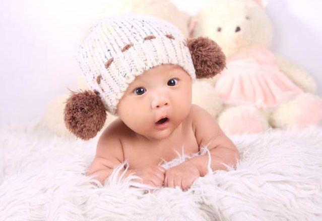 宝宝什么时候能听懂大人说话?如果有这几个表