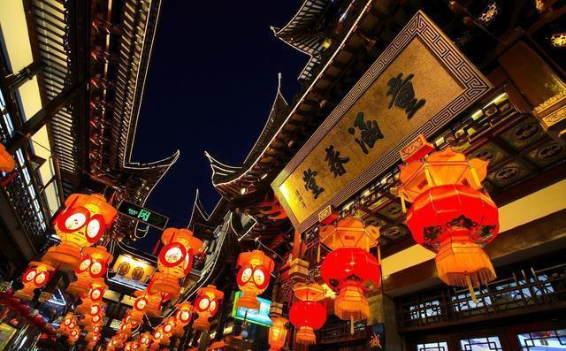 日本的街道为什么都是中国字?日本人还不承认