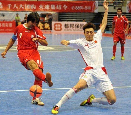 中国警察足球队连胜巴西美国,前国脚坐镇,网友