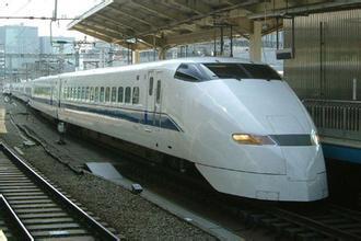 長三角「復興號」列車增至近百列 五一假日長三角鐵路客流增勢強勁