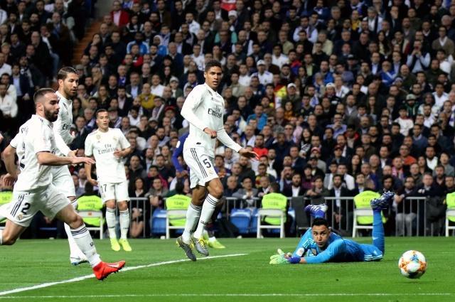 足球--西班牙国王杯:皇家马德里不敌巴塞罗那