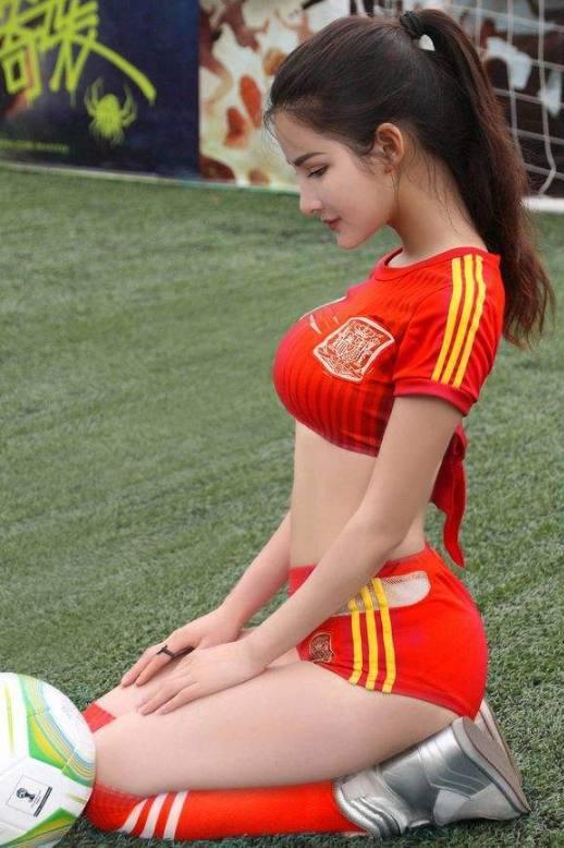 中俄混血美女 原来身材是这么来的