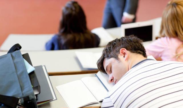 出国留学英语授课第一天上课听不懂怎么办?