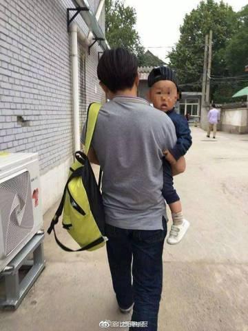 奔驰外籍员工儿子玩无人机砸伤幼童,肇事方父
