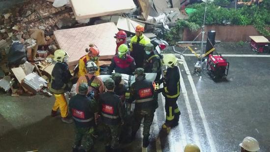 台花蓮地震8人遇難 搜救人員發現1名大陸女性遺體