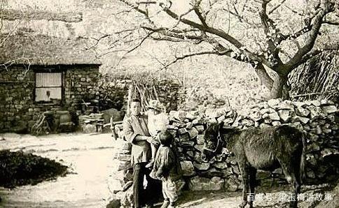 伪满洲国前的东北人民生活好吗?大妈制作酸菜