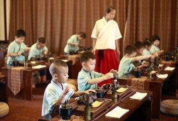 国学班代替义务教育孩子父母将被追责