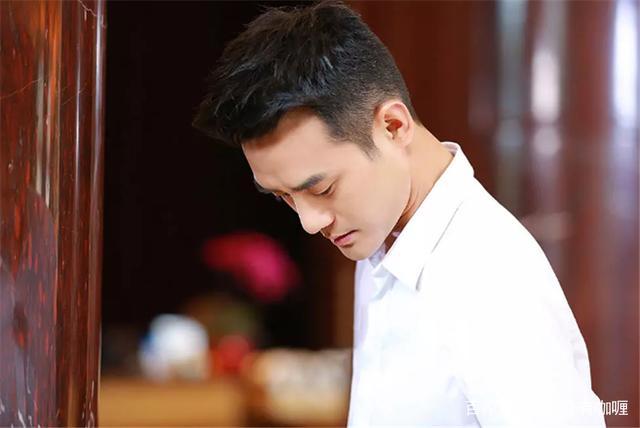 王嘉尔萧敬腾开启港台成语交流会,杨烁为救兄