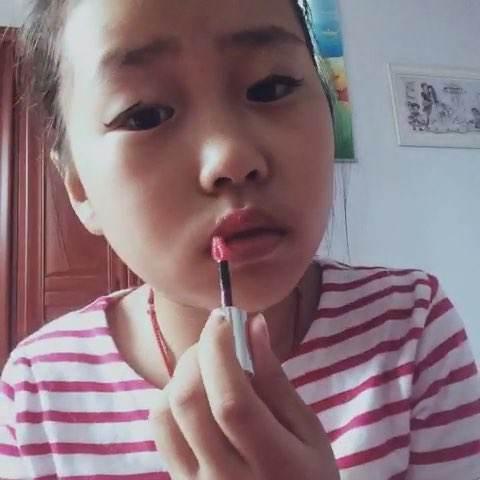 抖音小学生化妆技术太厉害!画完妆秒变夜店女