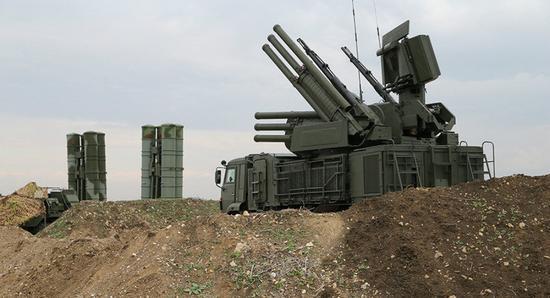 俄在敘赫梅明空軍基地險遭襲 俄防空系統全部攔截