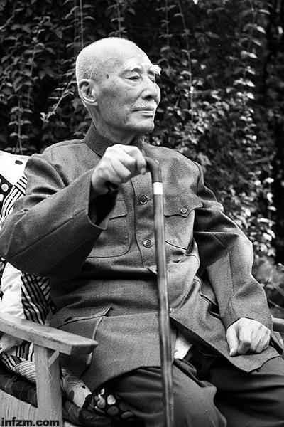 30年前的今天,中国第一个童话故事《稻草人》
