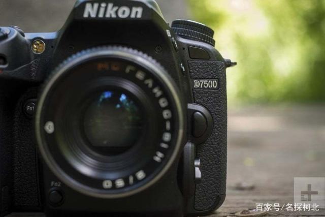 尼康D7500 专业运动相机 4K分辨率适合远足