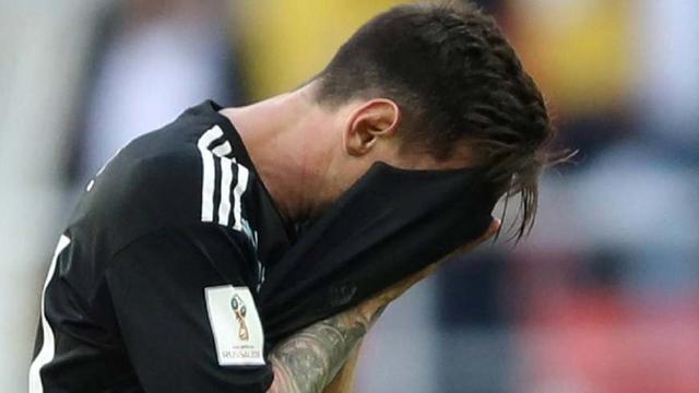 面对点球C罗一蹴而就,梅西却第25次罚丢!这就